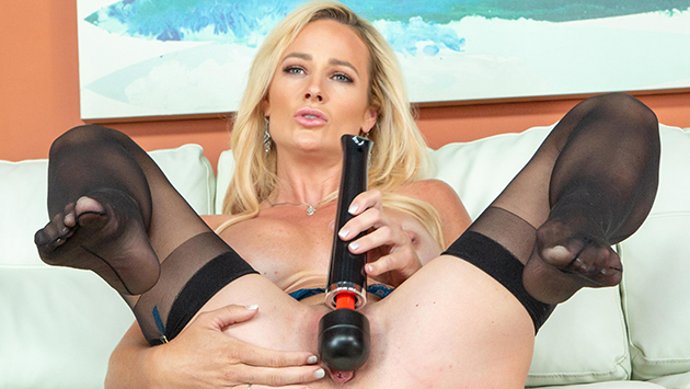 Gorgeous MILF Sydney Hail Getting Naughty LIVE