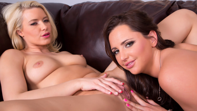 Hope and Anikka Cum Together LIVE