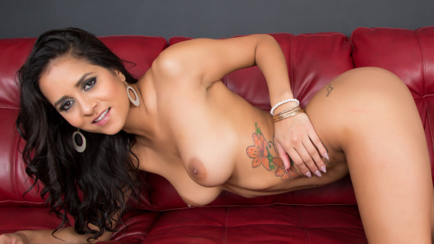 Exotic Abby LIVE