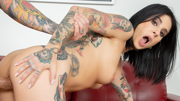 Sexy As Fuck Tattooed Hottie Joanna Angel LIVE