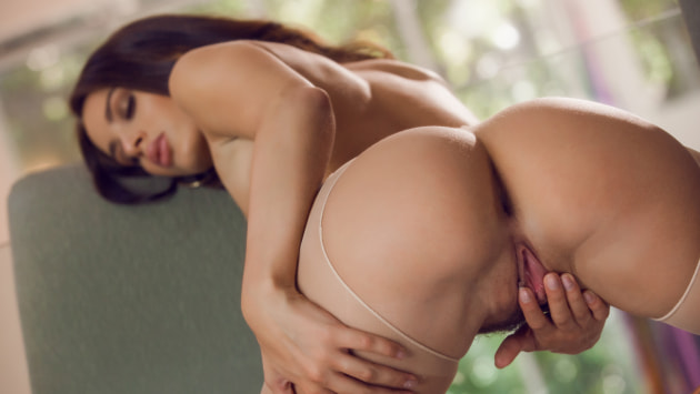 Nude Stockings and Orgasms